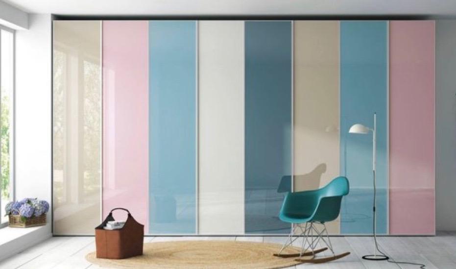 FOTOinšpirácia: Vstavané skrine do detskej izby v hravých farbách