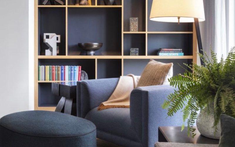 Zabudnite na klasické knižnice: Povýšte ich na dizajnový doplnok interiéru
