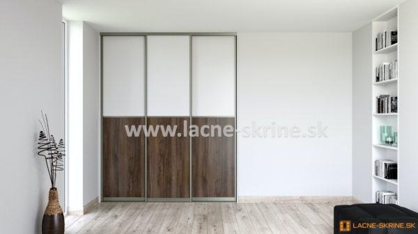 Vstavaná skriňa trojdverová 2x delené dvere, Orech Pacifik, Biela Briliant