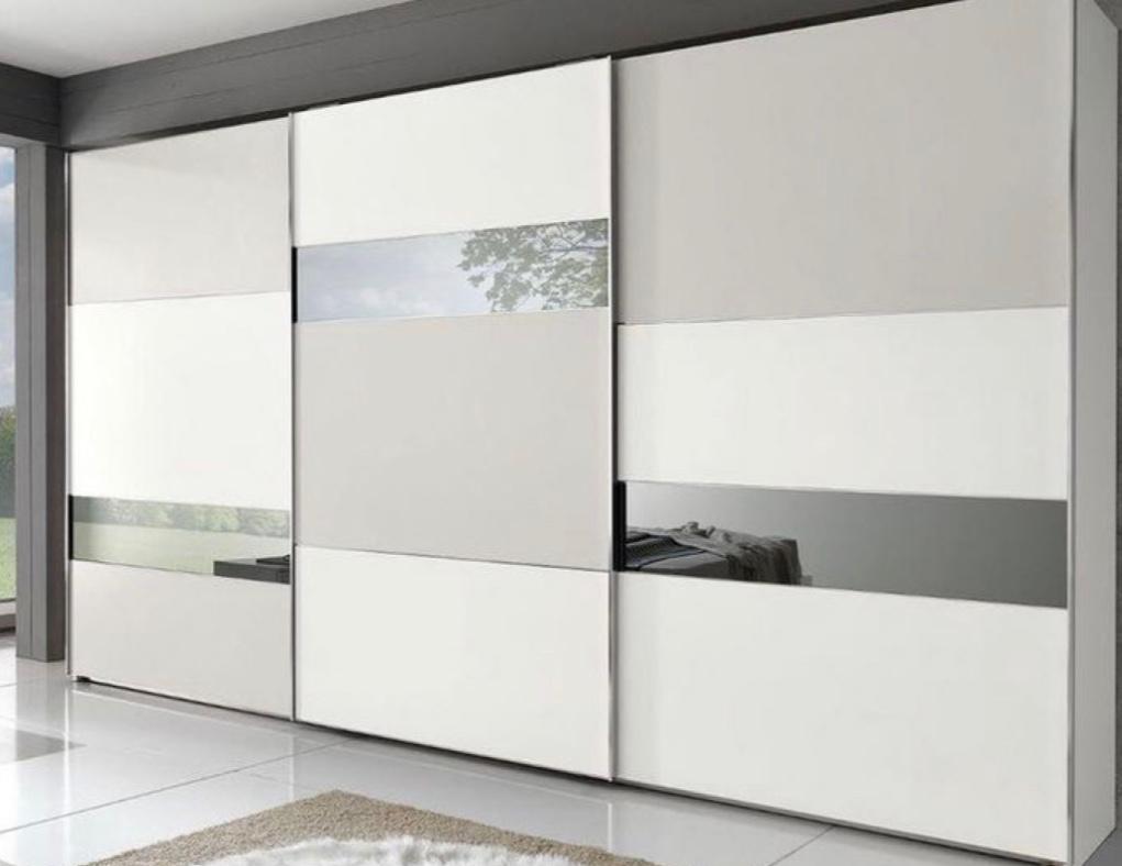 3 druhy prevedenia vstavanej skrine: Zrkadlá, lacobel alebo drevo?
